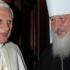 Papa și patriarhul rus s-au îmbrățișat în deschiderea istoricei lor întâlniri