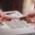 Proiectul Legii salarizării unitare, depus luni în Parlament
