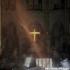 Notre-Dame, după incendiul devastator. Altarul şi crucea, neatinse de flăcări