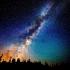 Ce minunății poți admira dacă privești cerul pe întuneric cel puțin o oră