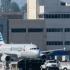 Coliziune între un avion și o autoutilitară pe Aeroportul Los Angeles