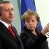 Merkel îi cântă-n strună lui Erdogan