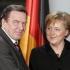 Merkel îl critică pe Schroeder pentru că lucrează cu ruşii de la Rosneft