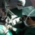 S-a inventat microscopul care detectează tumori în timpul operațiilor