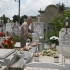 Metodă nouă de stors bani din... morminte