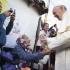 """Papa: Ajutorarea celor săraci este """"pașaportul către paradis"""" al creștinilor"""