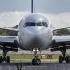Un avion cu 67 de pasageri la bord a aterizat de urgență