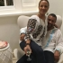 Shaggy și soția lui poartă cu mândrie ia românească