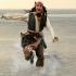 Turistul turmentat! Și-a băut mințile și a căzut de pe barcă, în mare!