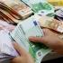 Evoluția principalelor valute la începutul săptămânii