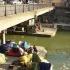 Franţa, sufocată de refugiaţi! Taberele de lângă canalele Parisului, evacuate