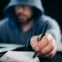Doi români, găsiţi vinovaţi în SUA de fraude cibernetice. Pot sta zeci de ani după gratii