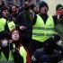 Guvernul francez a făcut greşeli în gestionarea protestelor vestelor galbene