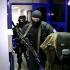 Zeci de polițiști, arestați de procurori în Republica Moldova
