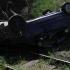 Mașină prăbușită de la 7 metri înălțime, pe calea ferată!