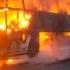 Incendiu violent! Mai multe autobuze s-au făcut scrum