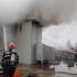 Incendiu VIOLENT la fabrica de armament din Cugir. Pompierii au cerut sprijin de la Hunedoara și Sibiu