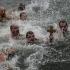 Înotători din toată Europa au sărbătorit Boboteaza, scufundându-se în ape reci