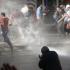 Poliția a folosit tunuri cu apă și gaze lacrimogene împotriva protestatarilor din Istanbul