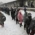 Migranţii care trăiesc în taberele din Bosnia, în pericol să moară de frig!