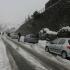 Ninsori ca-n plină iarnă și troiene de un metru. Mare atenţie pe drumurile țării!