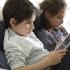 27% din copiii români stau, într-o zi cu școală, peste 6 ore online!