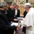 Papa Francisc, la mare concurență cu Donald Trump