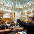 Parlamentul dezbate şi votează astăzi moţíunea de cenzură