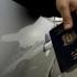 Vălul islamic ar trebui interzis în fotografiile din paşapoarte, a declarat un politician elveţian