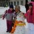 """Școala """"Gheorghe Țițeica"""" și-a făcut armată de... oameni de zăpadă"""