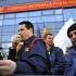 Angajații din Poșta Română continuă protestul