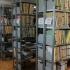 Cele mai eficiente sisteme de rafturi metalice pentru arhivare în instituții, unități comerciale și industriale