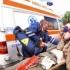 12 persoane rănite, după ce un microbuz s-a ciocnit cu un autoturism