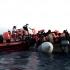 Salvarea migranţilor vine de la spanioli! Prima ambarcaţiune a ajuns la Valencia