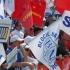 Sute de sindicaliști protestează în fața Palatului Cotroceni