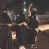 Un copil aruncă în aer patru ostatici, într-o înregistrare video a reţelei SI