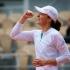 La 19 ani, poloneza Iga Swiatek a câştigat trofeul la Roland Garros