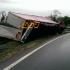 Două persoane au murit și alte trei au fost rănite într-un accident