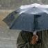 Ploi torenţiale, descărcări electrice şi vânt puternic în toată ţara